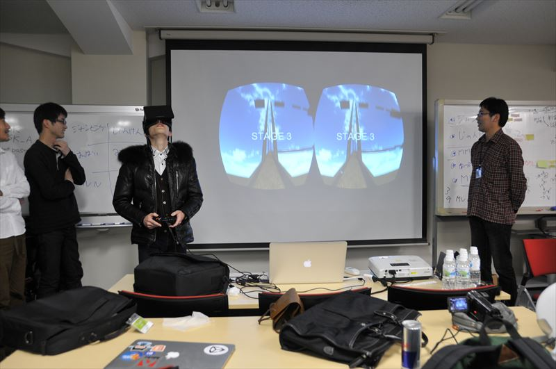 Oculus を知る者ならば観るだけで体の一部がキュッとなる状況。