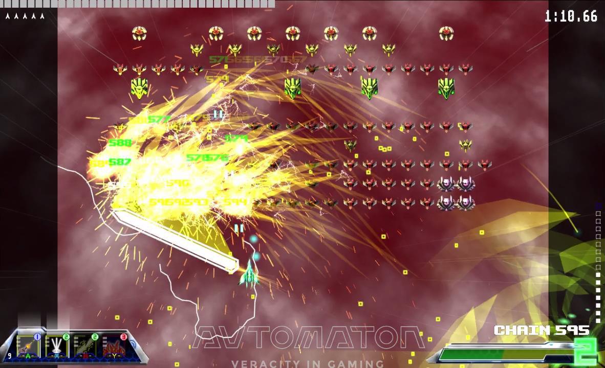 武器は50種類以上。本作の爽快感を代弁するこの「Thunder Edge」は自機の動きに連動し回転速度と威力が増す。2ゲージ消費の火力はたいしたもの。WAVE登場0.5秒で規定数の半分に達した。