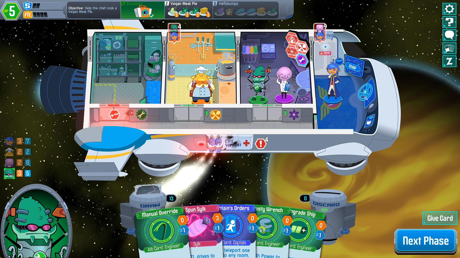 クルーの特技カードを使うには、対応する部屋に移動しなくてはならない。画面は修理工が自分の部屋に戻れず、特技カード(緑)をもちあましてる状況だ。さらに、宇宙船のシールドも剥げ、生命維持装置も壊れている。