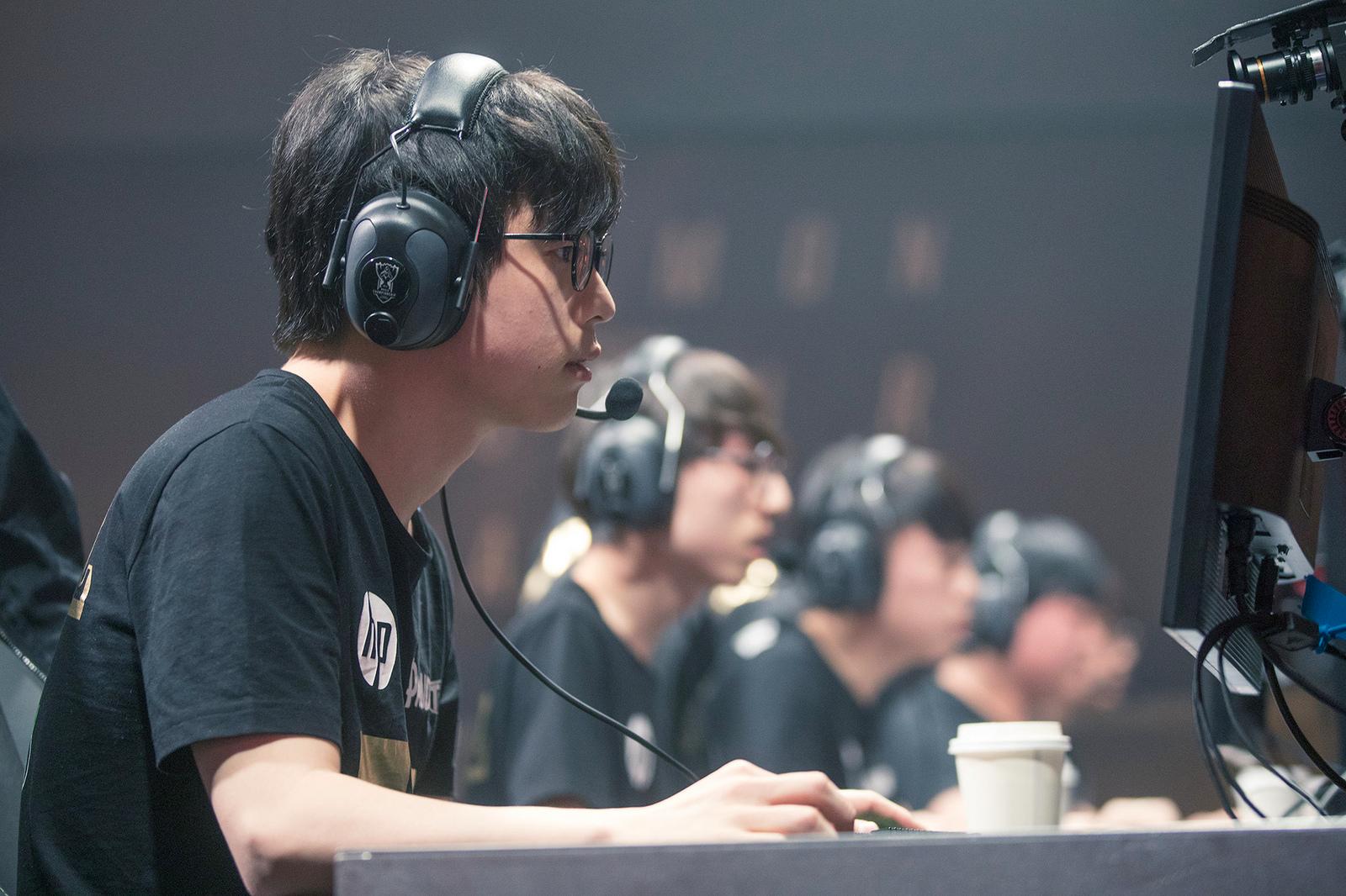今シーズンは世界大会出場経験者を3人擁し、EDGと中国リーグのトップを争ったRNG。最強地域韓国の壁は厚い。画像出典:Riot eSports Flickr